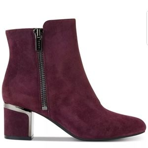 NEW DKNY OXBLOOD SIZED ZIPPED ANKLE BOOTIES